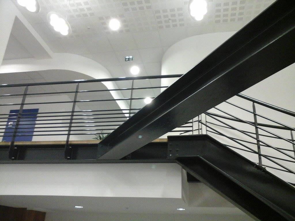 Pose de cloisons et plafond dans bureaux d'entreprise à la Chapelle-Basse-Mer